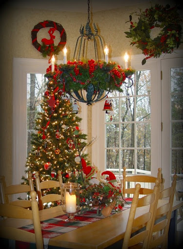 Christmas decor in the kitchen roomsrevamped.com