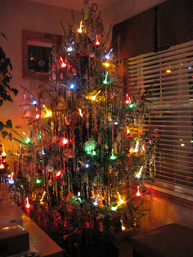Vintage 60's Christmas tree with bubble lights and tinsel